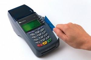 Плащанията с ПОС терминал може да ни излязат солено