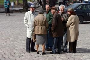 На първо четене парламентът гласува вдигане на възрастта за пенсия на 65 г.